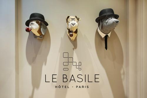 Autour du Basile Hôtel, Paris